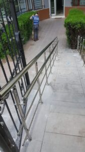 Paslanmaz Çelik Engelli Korkuluğu (14)