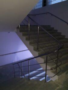 Paslanmaz Çelik Merdiven Korkuluğu (2)
